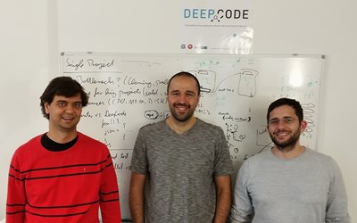 Основателите на DeepCode (от ляво на дясно): Д–р. Веселин Райчев (PhD ЕТН Цюрих, CTO), Борис Паскалев (CEO, M.Sc. MIT,  EMBA TRIUM), Проф. Мартин Вечев (Професор, ЕТН Цюрих)