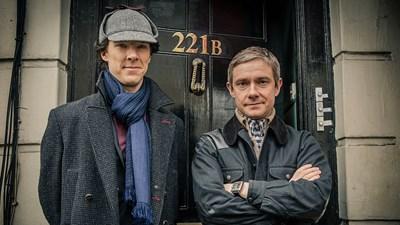 Мартин Фрийман е Уотсън, а Къмбърбач - Холмс, в модерната адаптация на романите на сър Артър Конан Дойл.
