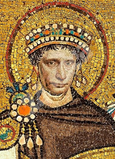 """Ликът на руския президент Путин върху най-известното изображение на Юстиниан Велики - мозайката в базиликата """"Сан Витале"""" в град Равена СНИМКА: 24 часа"""
