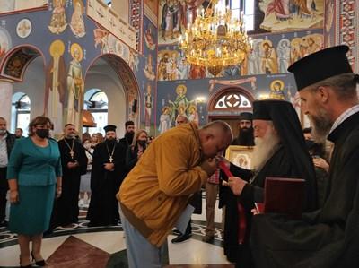 Премиерът Бойко Борисов и ловчанският митрополит Гавриил СНИМКИ: Правителствената пресслужба