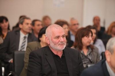 Кметът на Силистра Юлиян Найденов попита какви са плановете на кабинета за трети мост над Дунав. СНИМКА: Николай Литов