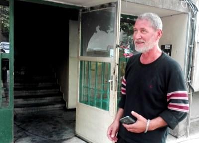 Домът на Борислав Пенков бе подпален през нощта на 14 октомври. Снимка:Елена Фотева