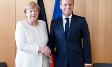 Макрон: Ще подкрепя Меркел за председател на ЕК, ако се кандидатира