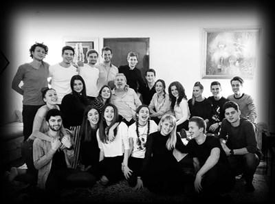 Последната обща снимка на студентите с техния Мастер. Черно-бяла е по тяхно желание и е заснета на рождения му ден на 9 декември 2018 г.