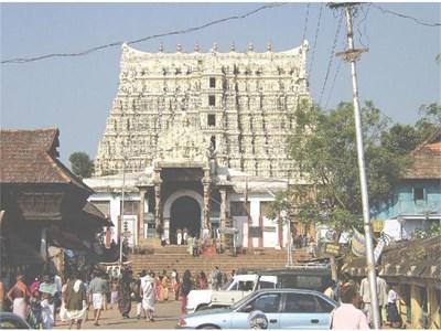 """Храмът """"Сри Падманабхасвани"""" в Индия крие съкровища за 16 милиарда евро."""