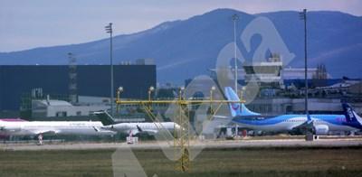 Пандемията приземи самолетите, а авиокомпаниите изпаднаха в затруднение и искаха помощ от държавата.  СНИМКА: 24 часа