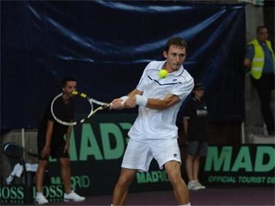 Димитър Кутровски спечели четири поредни мача в Сан Хосе и за първи път в кариерата си стигна II кръг на турнир от календара на АТП. Негов съперник ще е №13 в света Гаел Монфис (Фр).