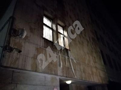 Протестиращи хвърляха яйца по сградата на МВР СНИМКА: Велислав Николов