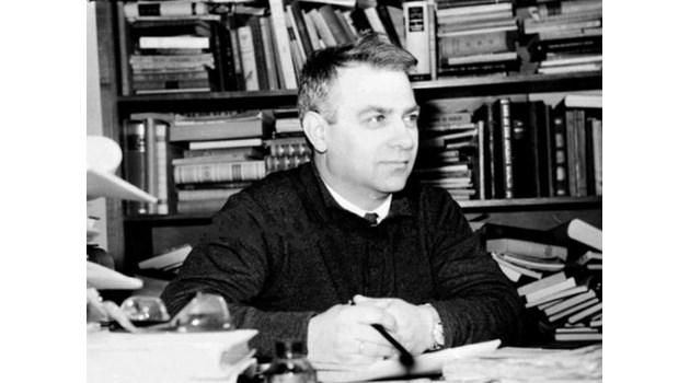 """Създателят на """"Космос"""" Стефан Дичев  с хитрост го брани от Комсомола 28 години"""