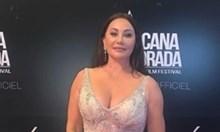 Дарина Павлова с прозрачна и с минирокля на филмов фестивал (снимки)