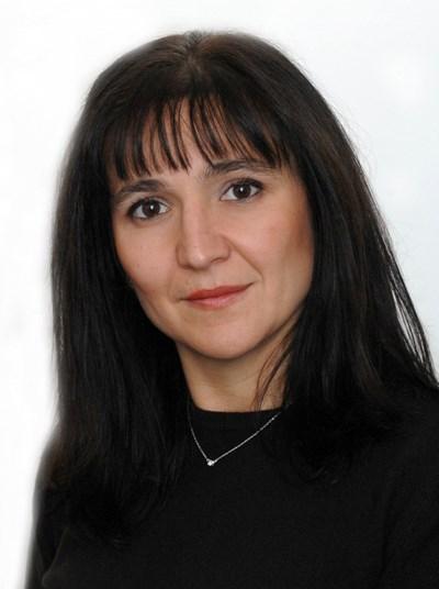 За какво е кавгата между Къдринова  и Жотева