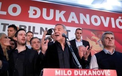 На състоялите се вчера местни избори в Подгорица и още 10 общини най-много гласове получи Демократичната партия на социалистите на Мило Джуканович. СНИМКИ: Ройтерс