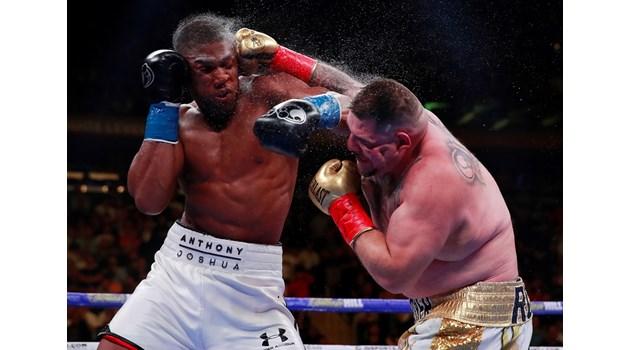 Дебеланкото от дюнерите шокира световния бокс и отвори път на Кобрата към титла