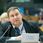 Емил Радев към комисар Вера Йоурова: Ще поднови ли ЕК докладите закорупция в ЕС?