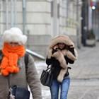 Ако облечем връхната си дреха в офиса, защото ни е студено, когато излезем навън, направо ще зъзнем.