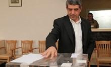 Дупка в конституцията - може 2 служебни правителства при предсрочни избори, назначени от стария и новия президент
