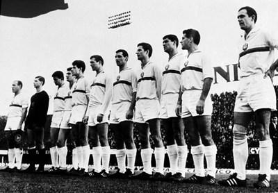 Националният ни отбор преди началото на баража с Белгия във Флоренция в края на 1965 г.