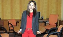 Отстраниха кореспондентката на БНТ в Берлин. Тя беше член на СЕМ, когато Емил Кошлуков се кандидира за директор. Той:  Договорът й свърши