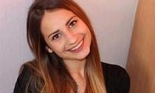 Доведената дъщеря на Юлия Байчева пропуснала абитуриентския бал заради химиотерапии