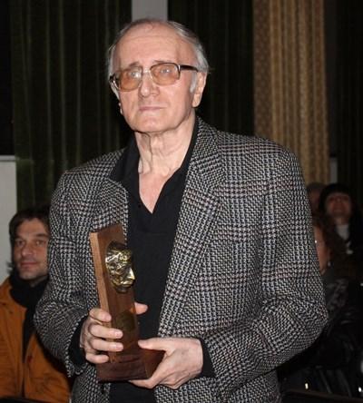 Националната литературна награда на името на Пейо Яворов, което се присъжда на всеки 5 години, тази година бе връчена на поета Иван Цанев. СНИМКА: Ваньо Стоилов