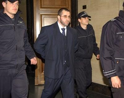 Пеньо Мангъров прз 2010 г. след поредния му арест