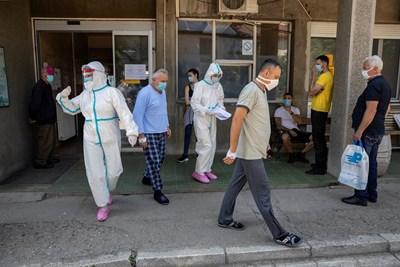 През последните 24 часа в Сърбия са прегистрирани 266 нови случая на коронавирус. Снимка: РОЙТЕРС