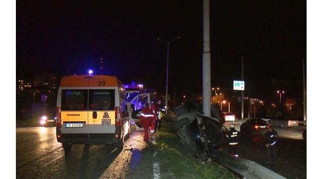 Баща и син са загинали при тежката катастрофа в Русе, колата е смазана (Обновена)