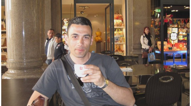 """Собственикът на млеката """"Елена"""" засечен в СРС да говори за убития данъчен Иво Стаменов"""