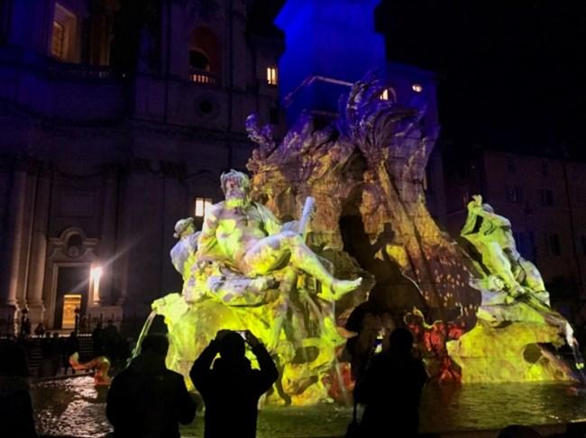 """Светлинно шоу вместо коледен пазар на римския площад """"Навона"""" (Снимки)"""