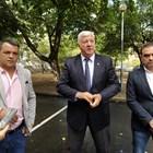 Зам.-кметът по строителството Пламен Райчев /вдясно/ обяви какво ще се прави.