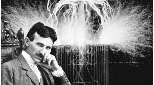 """Никола Тесла създава машина за пътуване във времето. Експериментът """"Филаделфия"""" го доказва"""