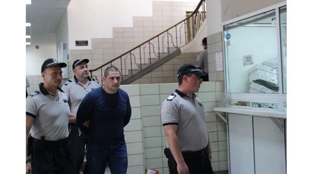 Съдът остави в ареста обвиняем за въоръжен грабеж  във Велинград