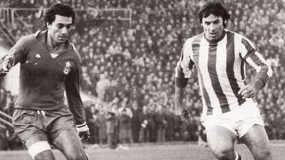 """Петко Петков (вдясно) се бори със защитата на """"Ювентус"""". СНИМКА: Клубен сайт"""