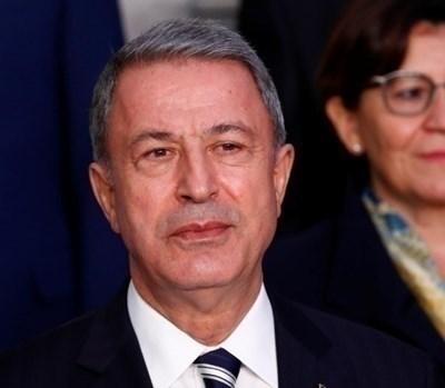 Турският военен министър Хулуси Акар СНИМКА: Ройтерс