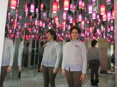 Ангела Гюрова в Огледалната зала  СНИМКА: Дима Максимова