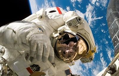 Резултат с изображение за СССР, САЩ и Великобритания подписват договор за космоса
