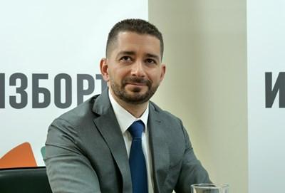 Слави Василев: Кабинет на малцинството е по-добър вариант за демокрацията