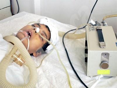 Въпраки усилията на лекарите малката Анета почина след операция на корема през 2006 г. СНИМКА: 24 часа