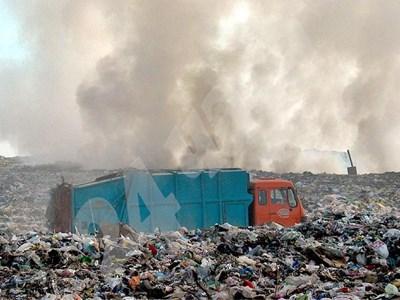 Едни и същи количества боклук са били калкулирани за обработка и в Шишманци, и в депото край Цалапица. СНИМКА: 24 часа