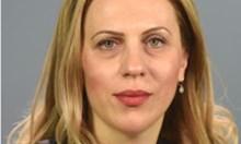 Вицепремиерът Николова: Аз съм майка, дайте ми 2 седмици толеранс