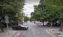 Моторист се потроши на пешеходна пътека в морската столица