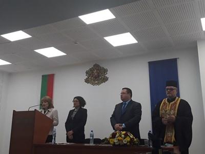 Областният управител проф.Любомира Попова откри церемонията по полагане на клетва