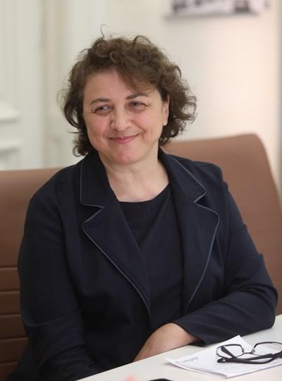 Емилия Лисичкова