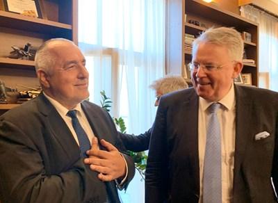 Петер Лимбург се срещна с Бойко Борисов. СНИМКА: ОФИЦИАЛЕН ТУИТЪР ПРОФИЛ НА ЛИМБУРГ