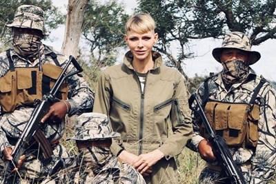 В разгара на пандемията и след като собственият й съпруг бе болен от коронавирус, принцеса Шарлийн отиде в Зимбабве да помага за спасяването на осиротели носорози.