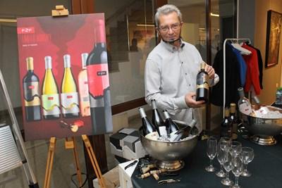 Mishel Art Gallery посрещна десетки гости за първата си годишнина