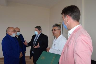Добромир Добрев при медиците в горнооряховската болница