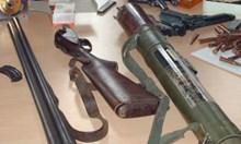 Въоръжен до зъби иманяр разкриха във Врачанско, взеха му и ракията