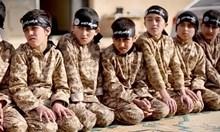 56 правителства и 14 въоръжени групировки използват деца бойци