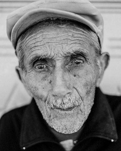 Един от портретите, правени от Тим Клинч в Миндя СНИМКА: Личен архив